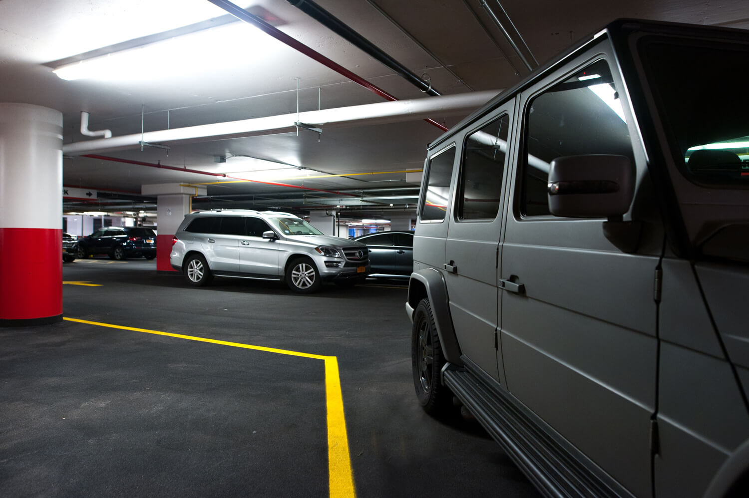 Private Park Garage : Explore amazing amenities services mercedes house